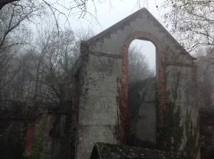 Bel Air de Combrée : les ardoisières,(XIXe) bâtiments en ruine